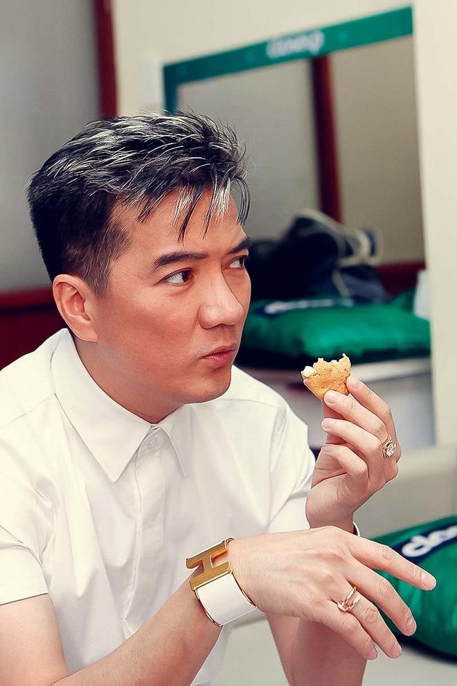 Ha Ho khoe vai tran di cham thi X Factor hinh anh 5