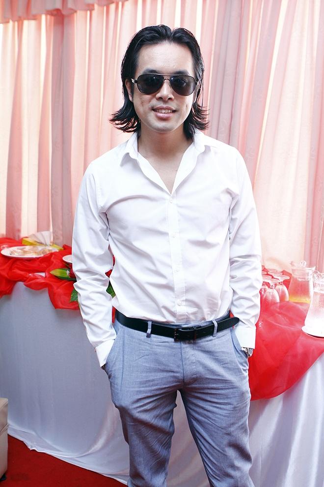 Ha Ho khoe vai tran di cham thi X Factor hinh anh 8