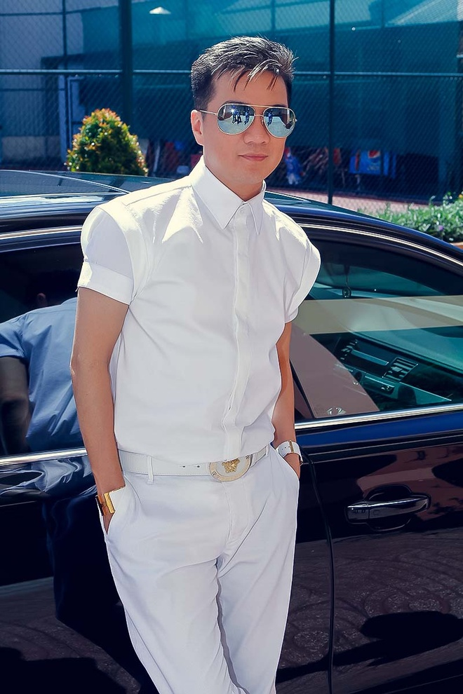 Ha Ho khoe vai tran di cham thi X Factor hinh anh 4