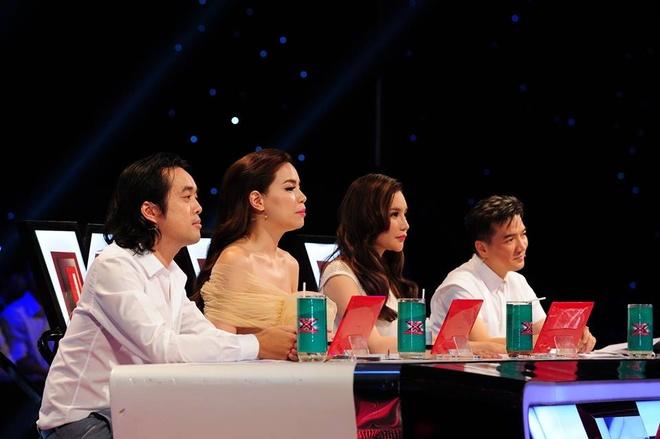 Giam khao X Factor mang trung ga len ghe nong hinh anh 2 Dàn giám khảo X Factor.