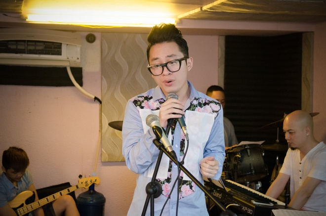 Tung Duong say me hat nhac Doan Chuan hinh anh