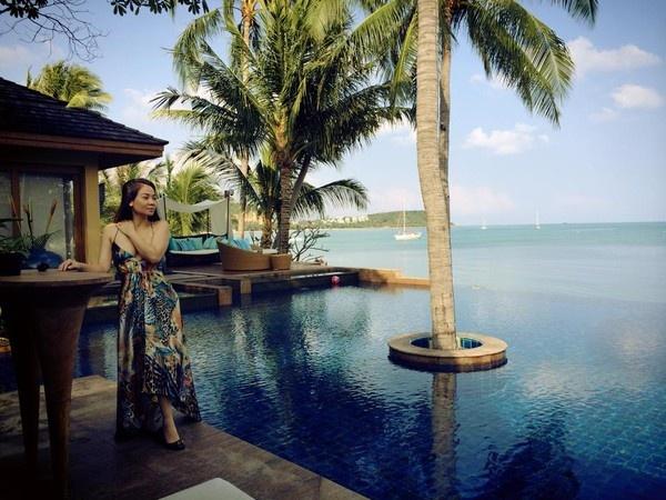Nữ ca sĩ Thu Minh cũng là ngôi sao thường xuyên đi du lịch. Trong số những nơi cô đặt chân đến có hòn đảo Koh Samui ở Thái Lan nhân dịp đầu xuân 2014.