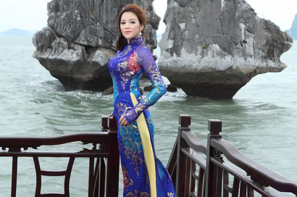 Vượt qua dư luận, từ tháng 9/2011 đến 9/2012, Lý Nhã Kỳ hoạt động khá hiệu quả với vai trò Đại sứ du lịch. Cô tích cực quảng bá du lịch Việt Nam đến bạn bè thế giới, đặc biệt là vận động bình chọn để Vịnh Hạ Long lọt vào 7 kỳ quan thiên nhiên mới của thế giới.