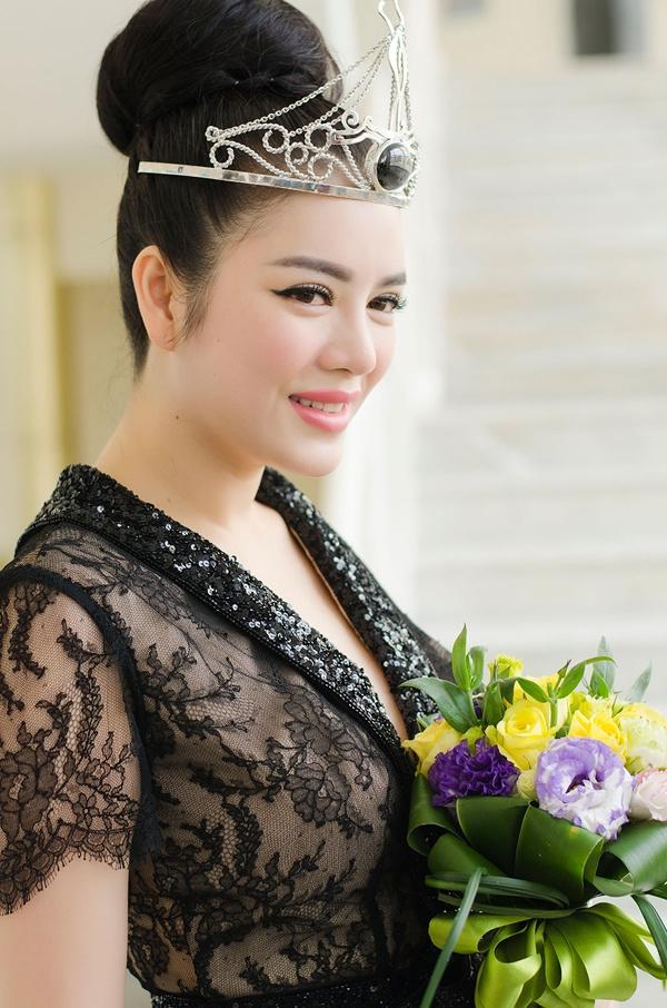Năm 2011, nữ diễn viên Lý Nhã Kỳ gây chú ý cho dư luận khi được  Bộ Văn hóa, Thể thao và Du lịch bổ nhiệm làm Đại sứ Du lịch Việt Nam. Vì những scandal trước đó như khoe của, nghi án