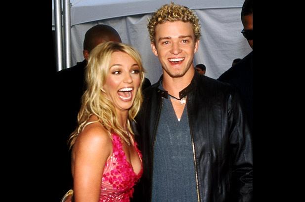 Nhung cap sao chia hai nga vi ap luc noi tieng hinh anh 6 Tuy nhiên kể từ sau khi công khai hẹn hò vào năm 1999, đời tư của họ bị công chúng soi mói, dẫn đến những áp lực nặng nề. Mối quan hệ lãng mạn kết thúc trong ồn ào vào tháng 3/2012 giữa tin đồn Britney lừa dối Justin. Trong ca khúc nổi tiếng Cry Me A River, Justin cũng ám chỉ chuyện chia tay khiến anh đau khổ nhường nào.