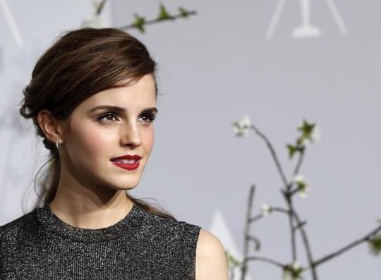 Emma Watson tuc gian dap tra ke doa tung anh nong hinh anh