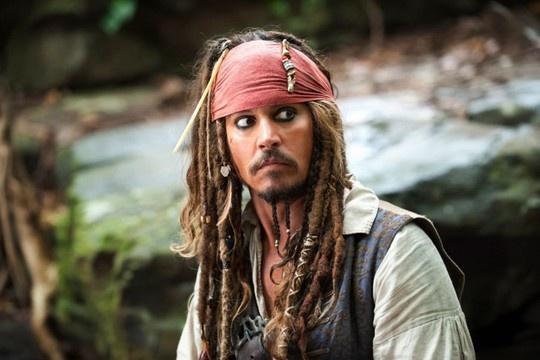 Johnny Depp gap chan thuong tren phim truong 'Cuop bien' hinh anh