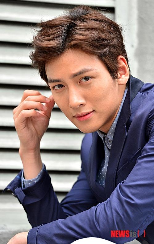 My nam 'Hoang hau Ki' ke chuyen hon dong gioi hinh anh 1 Diễn viên Ji Chang Wook.