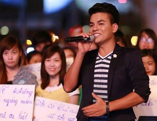 MC moi cua Vietnam Idol bi che ngay dem dau len song hinh anh