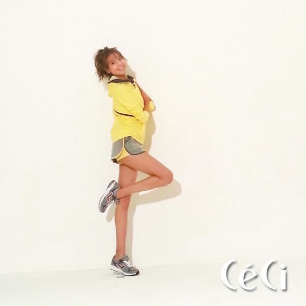 Anh thoi trang khong can photoshop cua sao Han hinh anh 8 Sooyoung của nhóm SNSD làm người mẫu cho một thương hiệu thời trang thể thao. Nữ ca sĩ có chiều cao lý tưởng cùng cân nặng khiêm tốn nên tiết kiệm được công đoạn biên tập cho bộ ảnh.