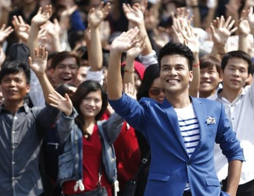 Vietnam Idol: Diem yeu MC bao gio thoi lap lai? hinh anh