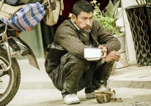 Phim moi cua Luu Duc Hoa bi to dao phim Trieu Vy hinh anh