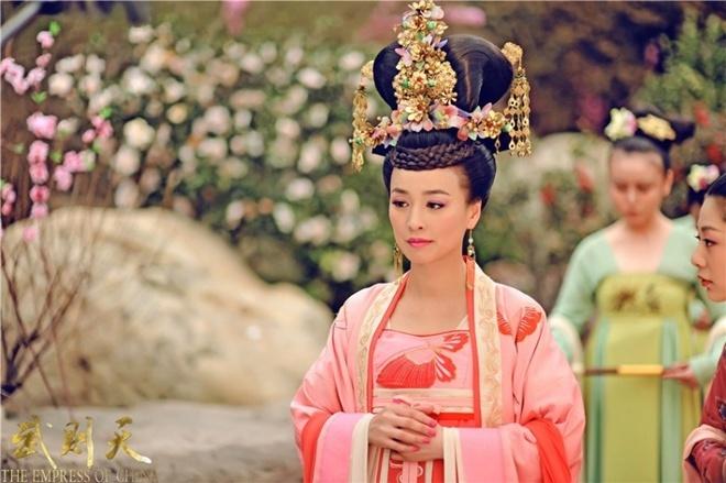 Trương Đình nổi tiếng với vai Vi Phi trong Võ Mỵ Nương truyền kỳ.