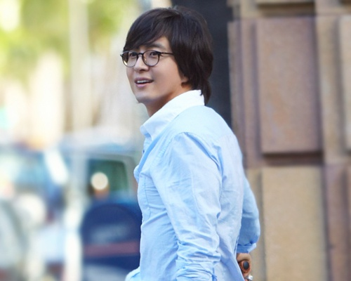 Bae Yong Jun cau hon chi sau 100 ngay yeu hinh anh
