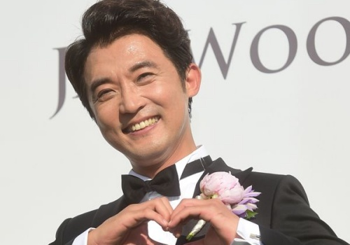 Ahn Jae Wook toat mo hoi trong ngay cuoi o tuoi 44. hinh anh