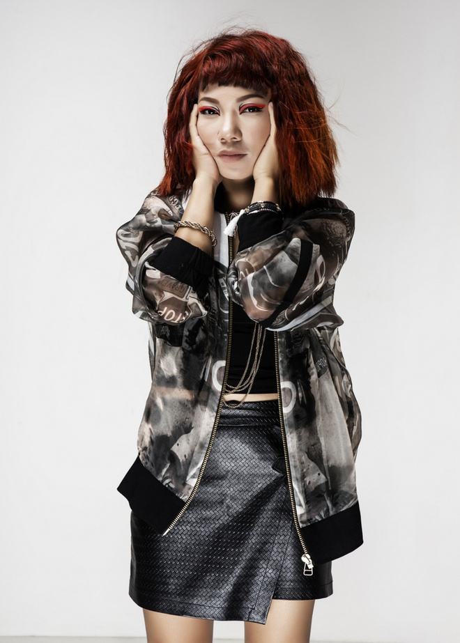 Diva Tran Thu Ha bat ngo ngoi ghe nong Vietnam Idol hinh anh 1
