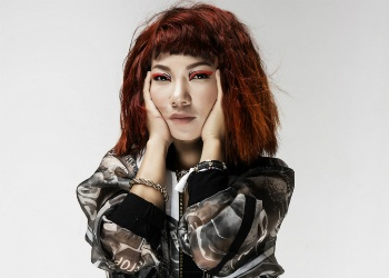 Diva Tran Thu Ha bat ngo ngoi ghe nong Vietnam Idol hinh anh