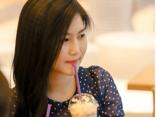 Huong Tram: 'Toi khong bao gio yeu dan ong co vo' hinh anh