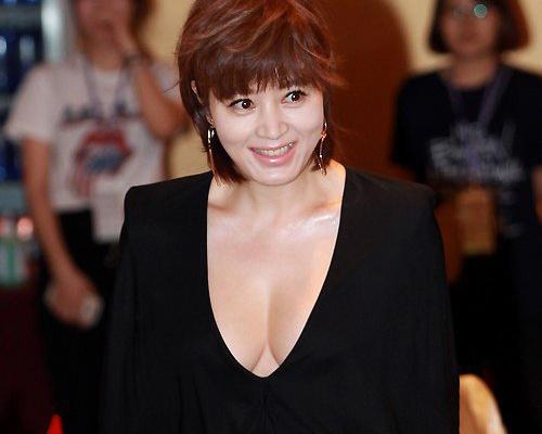 Kim Hye Soo nuot na o tuoi 44 hinh anh