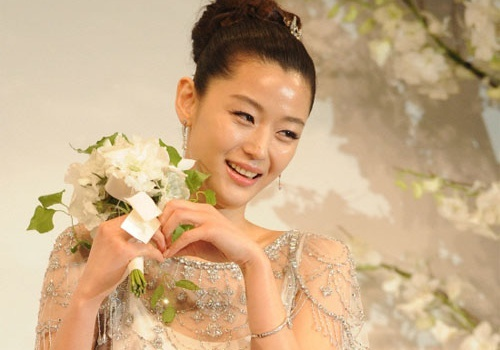 Jeon Ji Hyun thong bao co thai sau 3 nam cuoi hinh anh