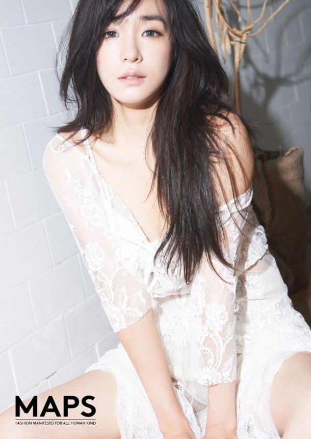 Ấn phẩm MAPS của Hàn Quốc số tháng 8/2014 vừa tung ra bộ ảnh do nữ ca sĩ Tiffany làm người mẫu thể hiện. Thành viên SNSD xuất hiện với vẻ nữ tính, gợi cảm.