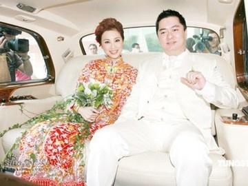 Hoa hau Hong Kong bi chong 'cam sung' vi mai ban ca via he hinh anh