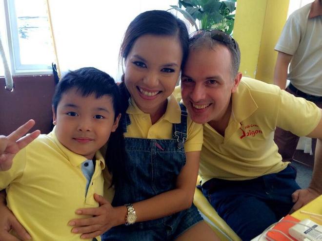 Ly Thanh Thao 'Mui ngo gai' khong hoi tiec cuoc hon nhan cu hinh anh 2 Gia đình hạnh phúc của Lý Thanh Thảo