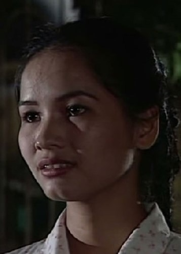Cuoc song nhieu nga re cua dan dien vien 'Song o day song' hinh anh 8 Minh Nguyệt vai Biển: Đảm nhận vai cô giáo Biển hiền lành, cam chịu, cũng là em gái của anh Núi chính là diễn viên Minh Nguyệt. Phải nói rằng đây là vai diễn để đời của cô diễn viên đất Cảng. Ảnh: VTV