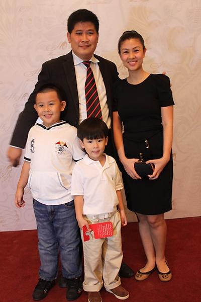 Chuyen doi thang tram cua dan sao 'Vi dang tinh yeu' hinh anh 17 Đổ vỡ với Việt Trinh, Phước Sang chuyển sang làm nhà sản xuất. Anh được đánh giá
