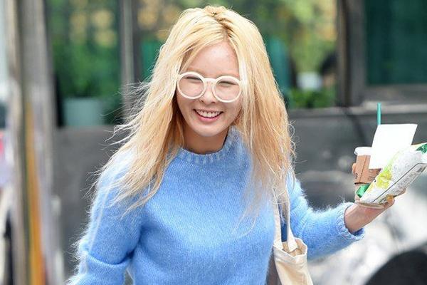 HyunA lo da sam khi khong trang diem hinh anh