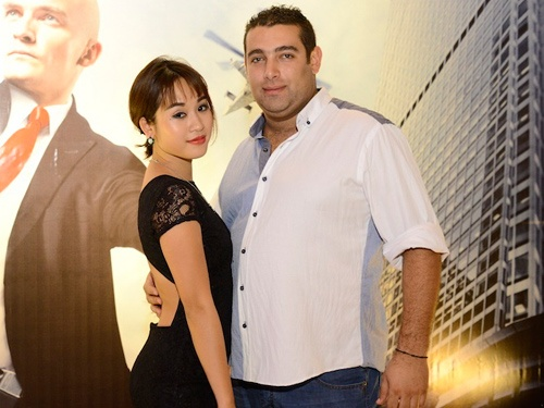 Diem Hang 'Nhat ky Vang Anh' di xem phim cung ban trai Tay hinh anh