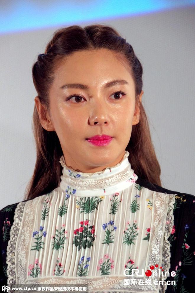 Truong Vu Ky tang can qua da sau ly hon hinh anh 2