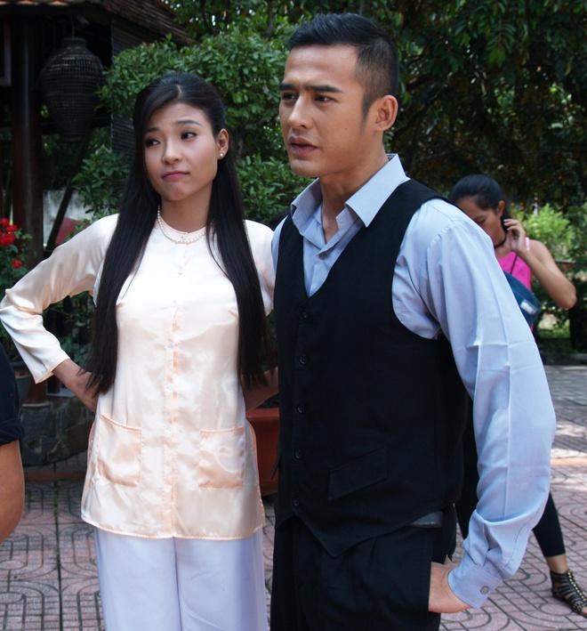 Hậu Sanh được ông Thanh (Thanh Điền) cưới cho người vợ đầu là Lụa (Thúy  Diễm), cô gái có tính tình chanh chua, nói nhiều và bộc trực.
