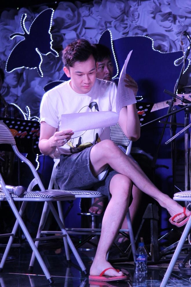 Hoai Lam ngoi trong long Mr. Dam tap nhac hinh anh 6
