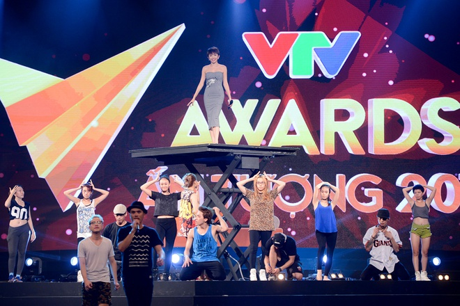 Toc Tien goi cam trong buoi tong duyet VTV Awards hinh anh 3