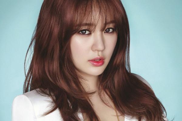 Yoon Eun Hye bi chi trich vi choi bo dao thiet ke thoi trang hinh anh