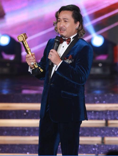 6 dien vien ten Hoa cua TVB gio ra sao? hinh anh 3 Cổ Minh Hoa khi đạt giải Nam diễn viên phụ xuất sắc TVB năm 2012.