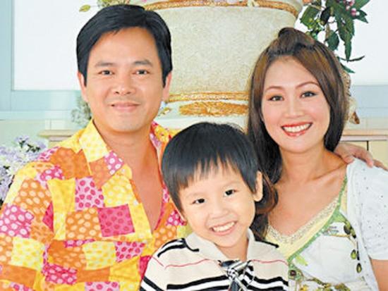 'Chuc Anh Dai' Luong Tieu Bang: Tuoi U50 chat vat nuoi chong hinh anh 7 Gia đình Lương Tiểu Băng - Trần Gia Huy.