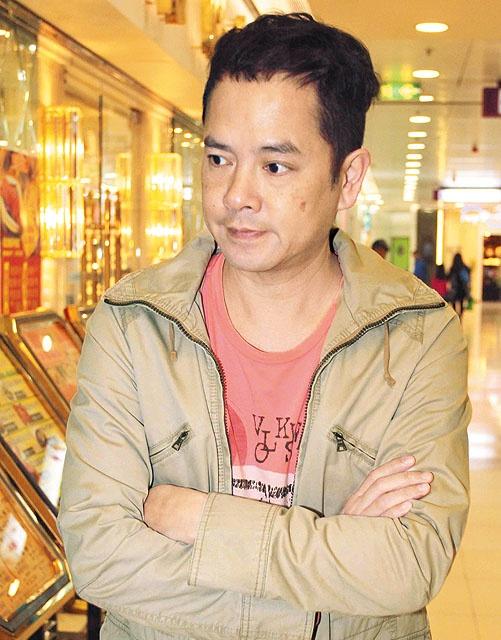 'Chuc Anh Dai' Luong Tieu Bang: Tuoi U50 chat vat nuoi chong hinh anh 3 Vóc dáng xuống cấp khiến Trần Gia Huy rơi vào cảnh không có công việc.