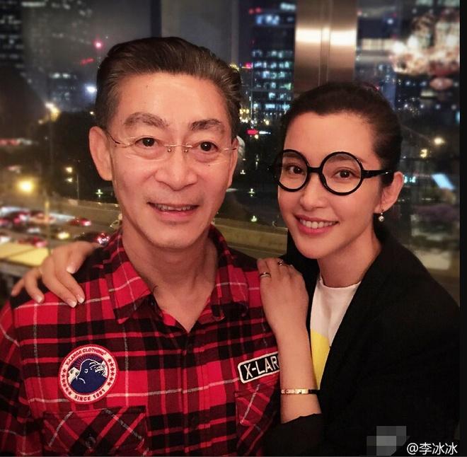 Luc Tieu Linh Dong nguong vi hanh dong cua Ly Bang Bang hinh anh 2 Lý Băng Băng nhiều năm qua hâm mộ Lục Tiểu Linh Đồng.