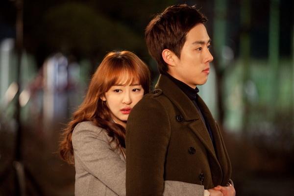 Kim Da Som (Sistar) vuong tinh tay ba trong phim hinh anh 1