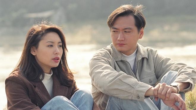 """Dan dien vien 'Ho so trinh sat' sau hon 20 nam hinh anh 5 Quách Khả Doanh: Năm 1993, Quách Khả Doanh tham gia cuộc thi Hoa hậu Hồng Kông và giành được giải thưởng Thí sinh có tiềm năng diễn xuất. Sau đó, nhờ gương mặt cá tính, cùng vóc dáng """"chuẩn"""", Khả Doanh có được vai diễn đầy trong phim Giai nhân Catwalk. Tuy nhiên, tên tuổi của cô chỉ thực sự được khán giả nhớ đến khi thể hiện nhân vật  Cao Tiệp trong Hồ sợ trinh sát. Đây cũng là vai diễn để đời đưa tên tuổi Quách Khả Doanh ngày càng đi lên, trở thành một trong những hoa đán của TVB lúc bấy giờ."""