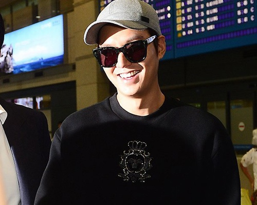 Lee Min Ho tuoi tan ve nuoc giua tin don chia tay Suzy hinh anh