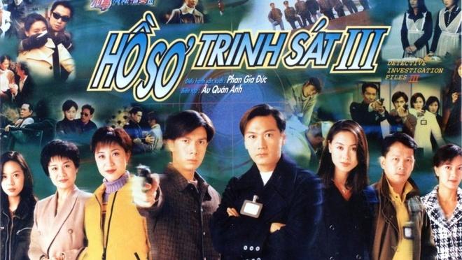 Dan dien vien 'Ho so trinh sat' sau hon 20 nam hinh anh 1 Hồ sơ trinh sát được xếp vào danh sách những bộ phim hình sự thành công nhất mọi thời đại của TVB, mở đầu cho thời kỳ phát triển của dòng phim điều tra phá án trên màn ảnh nhỏ Hong Kong. Ngay từ tập đầu tiên, phim đã lôi cuốn khán giả bởi những vụ giết người ly kỳ, hấp dẫn cùng mối quan hệ chồng chéo của các nhân vật trong phim.