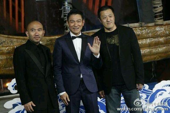 Thanh Long trao giai cho 'Toi thay hoa vang tren co xanh' hinh anh 3 Lưu Đức Hoa nhận giải Nam diễn viên xuất sắc.