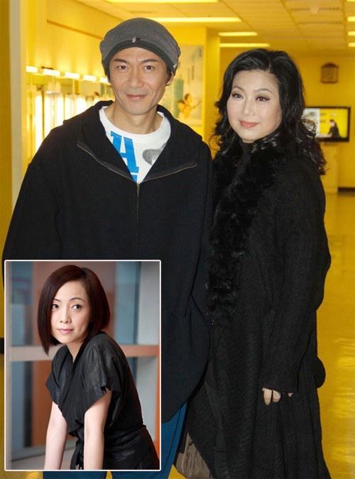 """Duong tinh thang tram cua dan sao 'Co may thoi gian' hinh anh 8 Cuộc hôn nhân của Giang Hoa và Mạch Khiết Văn từng đứng bên bờ vực thẳm khi anh """"vướng lưới tình"""" với người đẹp TVB Đặng Tụy Văn. Tuy nhiên, sau một thời gian, nam diễn viên sinh năm 1963 phủ nhận tình yêu dành cho Tụy Văn khiến cô bị khán giả lên án và nhà đài TVB quay lưng. Khi nhắc vè chuyện xưa, nữ diễn viên Thâm cung nội chiến đã từng nói: """"Tôi cả đời không hối tiếc chuyện gì, ân hận duy nhất trong đời là yêu Giang Hoa""""."""