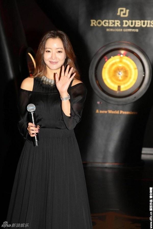 Sự nhí nhảnh trước ống kính của Kim Hee Sun.