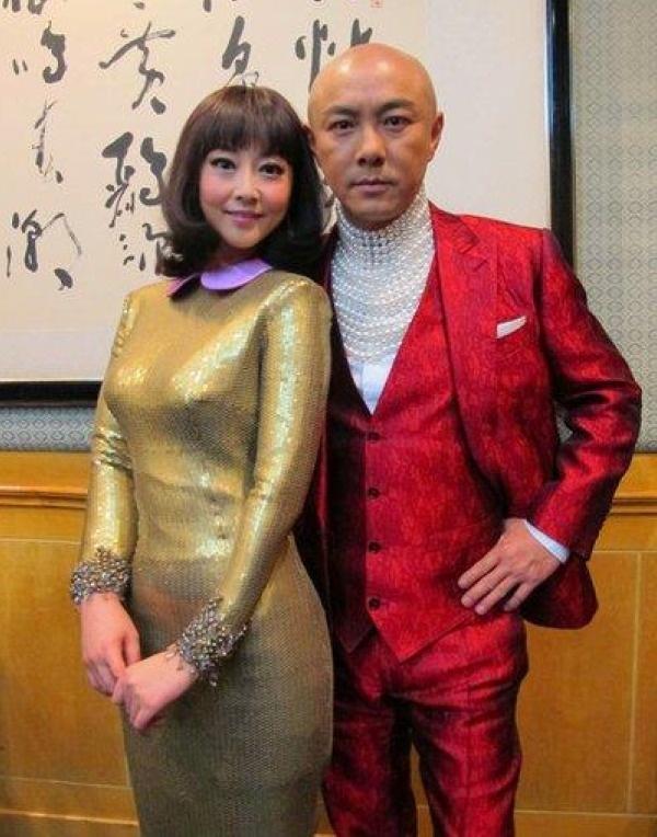 7 co vo trong phim 'Tieu Bao va Khang Hy' sau 15 nam hinh anh 3 Vợ chồng Trương Tây - Trương Vệ Kiện.
