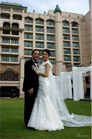 Nhung dam cuoi trieu USD cua sao chau A hinh anh 8 Hồ Tịnh và chồng.
