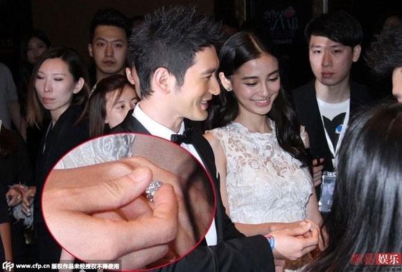 Gia san hoanh trang cua Huynh Hieu Minh va Angelababy hinh anh 2 Angelababy khéo khoe nhẫn đính 74 viên kim cương.